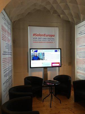 Blick in die Ausstellung #SalonEuropa vor Ort und digital im Museum Burg Posterstein.